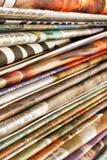 tidningsstapel Arkivbild