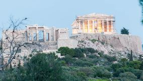 Tidschackningsperiod för främre sikt av akropolmiddagen till natten