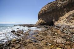 Tidvattens- pöl för Abaloneliten vik Royaltyfri Foto