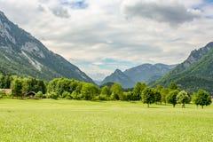 Tiefe Ansicht über die Europa-Alpen stockfotografie
