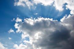 Tiefe blaue Himmel über Istanbul Lizenzfreie Stockfotos