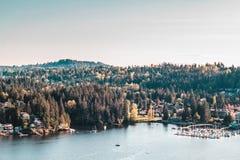 Tiefe Buchtansicht vom Steinbruch-Felsen in Nord-Vancouver BC Kanada Lizenzfreies Stockfoto