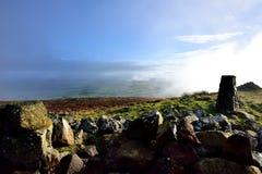 Tiefe Wolken über dem Ireby und dem Uldale Stockfotos