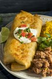 Tiefer Fried Beef Chimichanga Burrito stockfotos