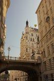 Tiefer Graben (calle) y Hohe Brucke (alto puente) imágenes de archivo libres de regalías