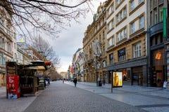 Tiempo de Advent Christmas en la calle de Praga Imagenes de archivo