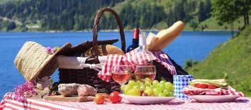Tiempo de la comida campestre Imagen de archivo libre de regalías