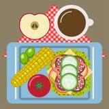 Tiempo de la comida campestre, naturaleza, reconstrucción al aire libre, servilleta, desayuno Imágenes de archivo libres de regalías