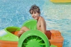 Tiempo de la diversión en Aqua Park en Esmirna Imágenes de archivo libres de regalías
