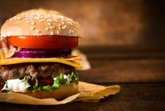 Tiempo de la hamburguesa Imagen de archivo libre de regalías
