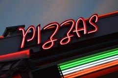 Tiempo de la pizza Foto de archivo libre de regalías