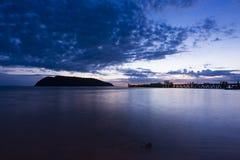 Tiempo de la puesta del sol por el embarcadero Fotos de archivo