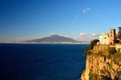 Tiempo de mañana en el golfo de Nápoles foto de archivo libre de regalías