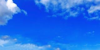 Tiempo de verano, cielo claro, cielo azul, cloudscape, cielo hermoso del verano, cielo de Tailandia Foto de archivo