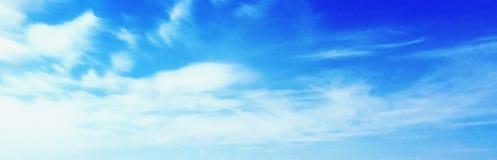Tiempo de verano, cielo claro, cielo azul, cloudscape, cielo hermoso del verano, cielo de Tailandia Fotografía de archivo libre de regalías