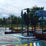 Tiempo de verano del parque del espray de agua Imágenes de archivo libres de regalías