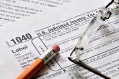 Tiempo del impuesto - plazo del 15 de abril. Foto de archivo