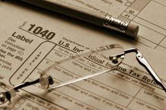 Tiempo del impuesto - plazo del 15 de abril. Imagenes de archivo