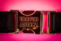 Tiempo del texto de la escritura para la llamada de motivación de la acción El trabajo del desafío del estímulo del movimiento de Foto de archivo libre de regalías