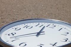Tiempo en el camino Foto de archivo libre de regalías