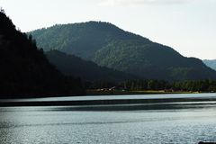 Tiempo nublado del lago de la montaña Fotografía de archivo libre de regalías
