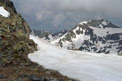 Tiempo nublado en la montaña Imagen de archivo
