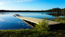 Tiempo reservado cerca del lago Imagen de archivo libre de regalías