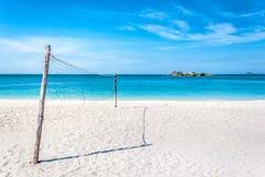 Tiempo y actividad felices en la playa Imagen de archivo