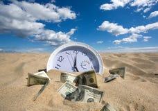 Tiempo y concepto perdidos del dinero Imagen de archivo libre de regalías