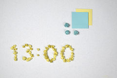 Tiempo y dos etiquetas engomadas Fotos de archivo libres de regalías