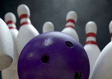 Tien Pin Bowling Pins And Ball Royalty-vrije Stock Afbeeldingen