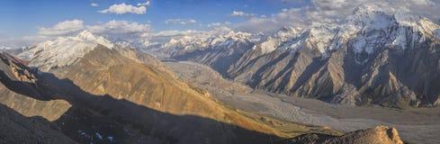 Tien Shan i Kirgizistan arkivbild