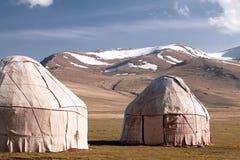 吉尔吉斯斯坦山掸人牧羊人tien yurt 免版税库存图片