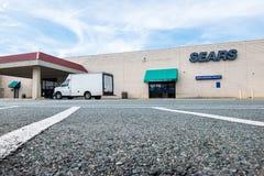 Tienda al por menor arruinada de Sears en alameda imagenes de archivo