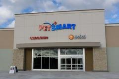 Tienda al por menor de Petsmart Imagen de archivo libre de regalías