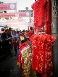 Tienda china de la ropa en Chinatown Bangkok Tailandia Imagen de archivo libre de regalías
