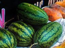 Tienda con la fruta Imagenes de archivo