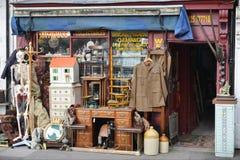 Tienda de antigüedades fotografía de archivo libre de regalías