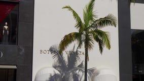Tienda de Botega Veneta en Rodeo Drive en Beverly Hills - CALIFORNIA, los E.E.U.U. - 18 DE MARZO DE 2019 almacen de video
