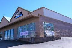 Tienda de CBD abierta para el negocio fotografía de archivo libre de regalías