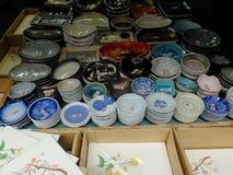 Tienda de cerámica de la loza en el mercado japonés imagen de archivo libre de regalías