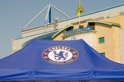 Tienda de Chelsea FC con la tierra en fondo Fotografía de archivo libre de regalías