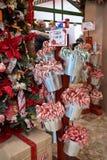 Tienda de chucherías de la Navidad imagen de archivo libre de regalías