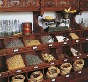 Tienda de comestibles retra Imágenes de archivo libres de regalías