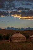 Tienda de Gher en la puesta del sol Imagenes de archivo