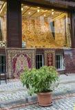 Tienda de la alfombra, Estambul, Turquía Imágenes de archivo libres de regalías