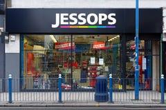 Tienda de la cámara de Jessops cerrada abajo en la calle principal Putney en Londres Foto de archivo