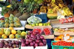 Tienda de la esquina local de la fruta en Taiwán Fotografía de archivo