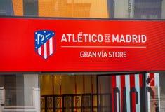 Tienda de la fan de Atletico de Madrid en Gran vía Fotografía de archivo libre de regalías