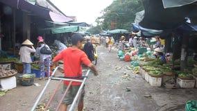 Tienda de la gente en un mercado